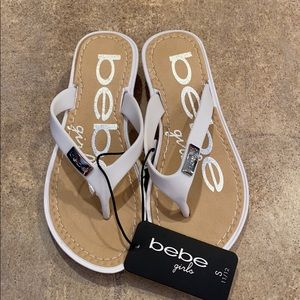 Girl new with tags Bebe sandals size small 11/12
